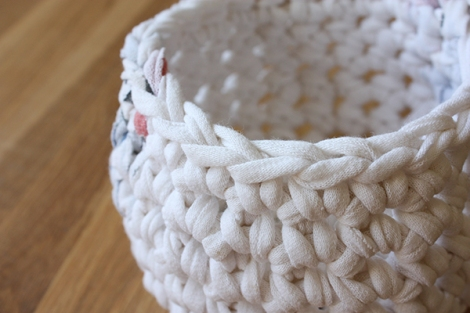white_basket_detail