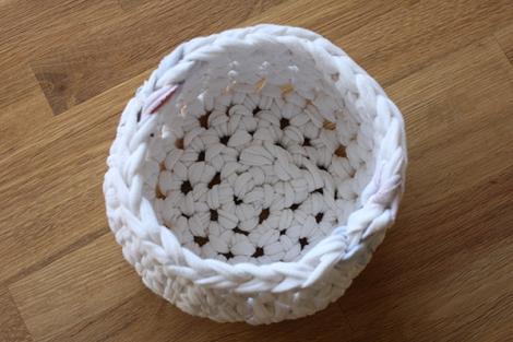 white_basket_inside