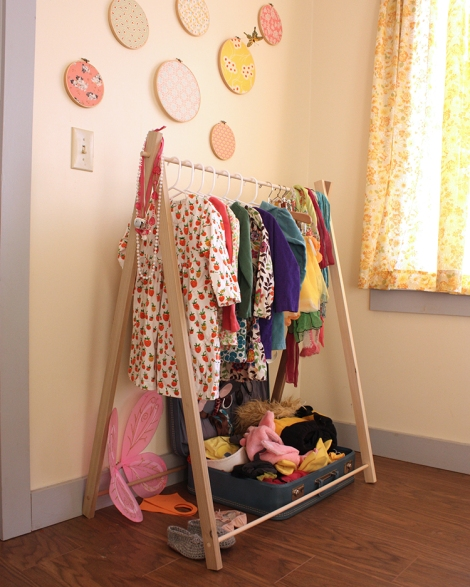 clothes_rack_side