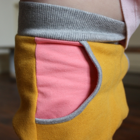 yellow_DCpants_pocketdetail